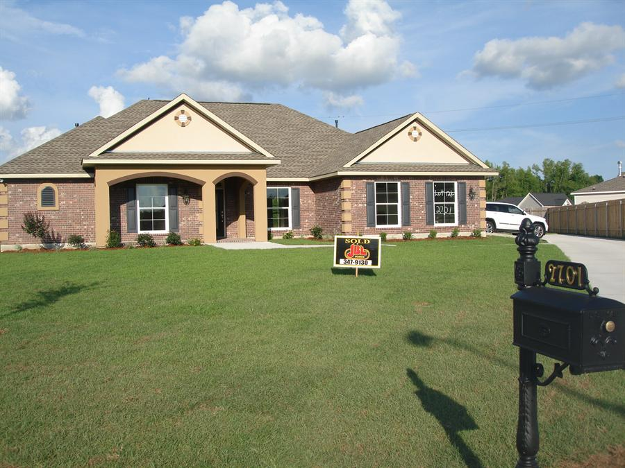 2701 creole court marrero la 70072 for Acadiana home builders